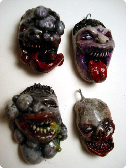 Left 4 Dead Pendants