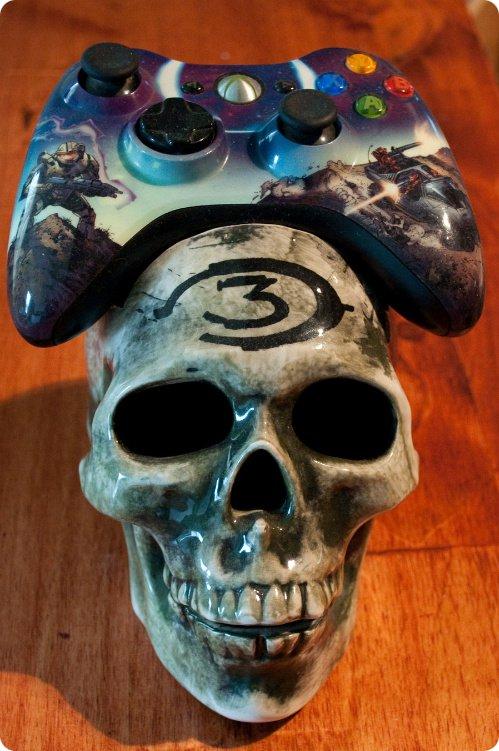 Halo Skull Controller Holder